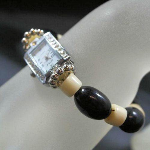 Montre bracelet perles Tagua teintées