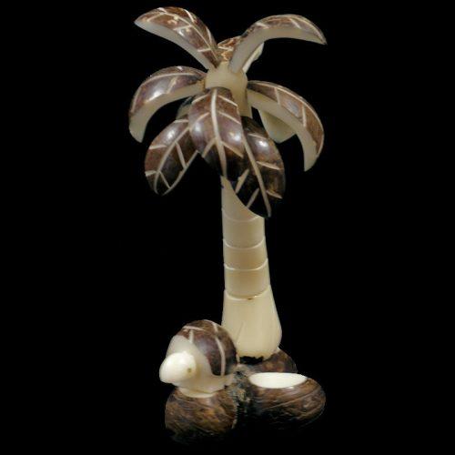 Cocotier taillé dans la graine de tagua