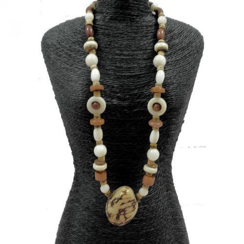 Collier perles de tagua teintées et naturelles