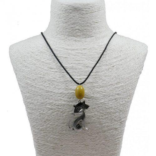 Pendentif chat en alliage et perle de tagua teintée jaune