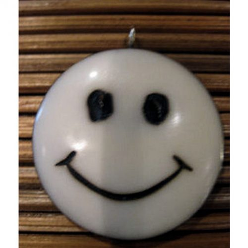 Pendentif tagua smile