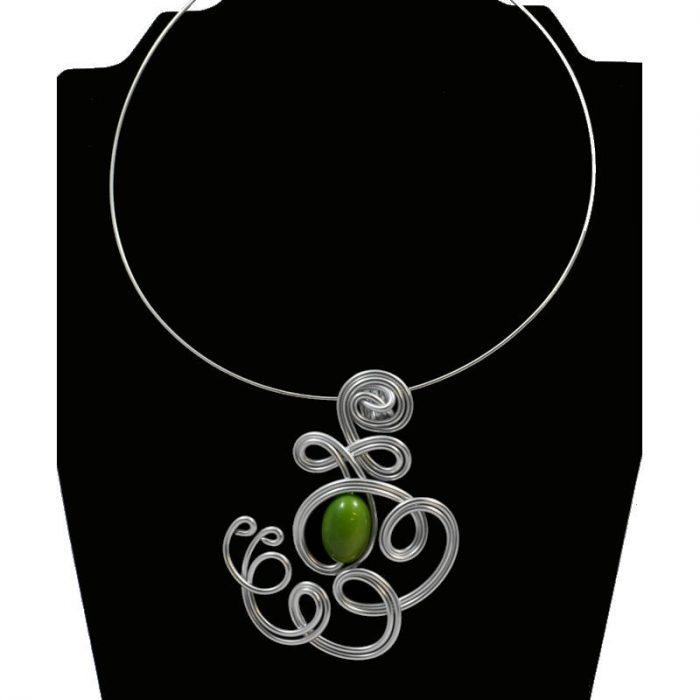 Tour de cou perle tagua olive vert