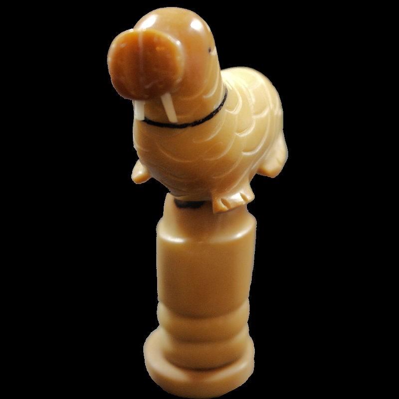 Morse taillé dans la graine de tagua