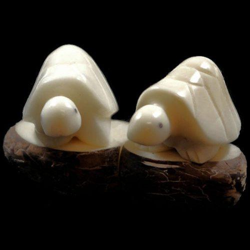 Tortues taillées dans la graine de tagua