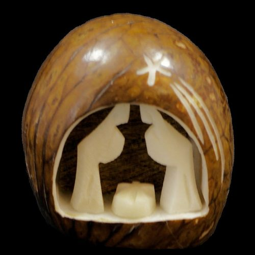 Crèche taillée dans la graine de tagua