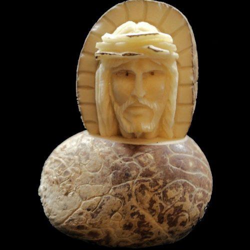 Figurine en tagua à l'effigie du Christ