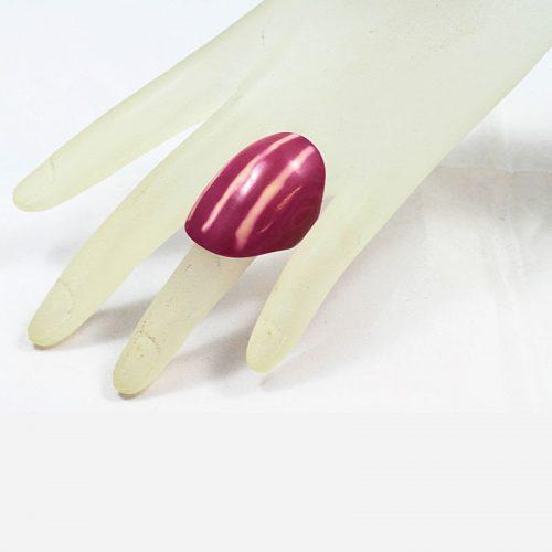 Bague en tagua teintée en rose