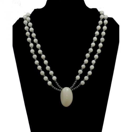 Collier perles de tagua et Hématite