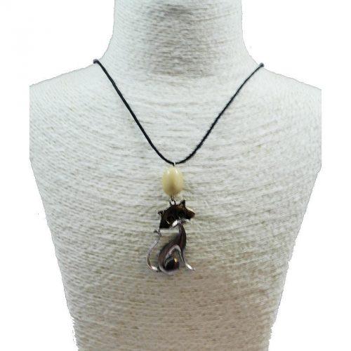 Pendentif chat en alliage et perle de tagua naturelle